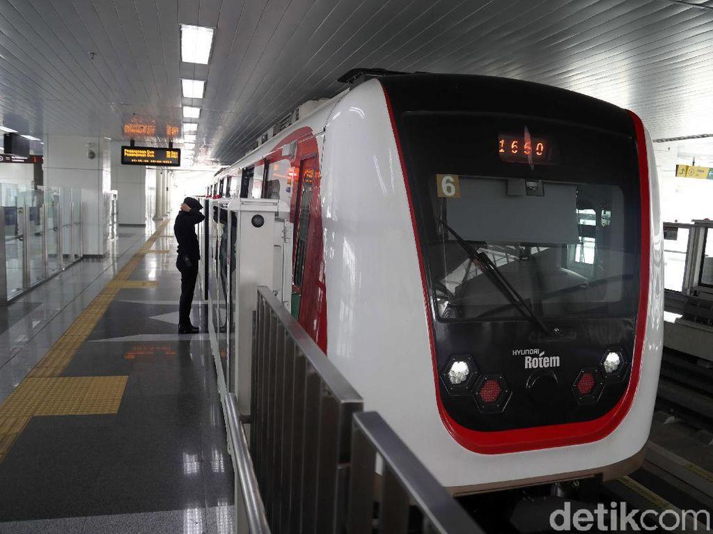Setahun Gratis, LRT Jakarta Mulai Berbayar Per 1 Desember 2019