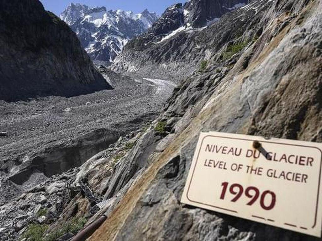 Foto Miris Pegunungan Alpen yang Tidak Lagi Bersalju