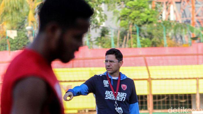 Pelatih PSM Makassar Darije Kalezic menilai Persela mempunyai tekanan lebih besar. Foto: Rifkianto Nugroho/detikcom)