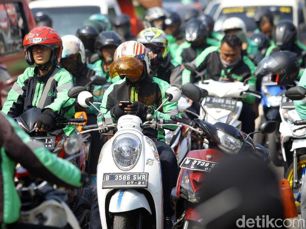 Senangnya Driver Ojol Mau Dapat BLT dari Jokowi