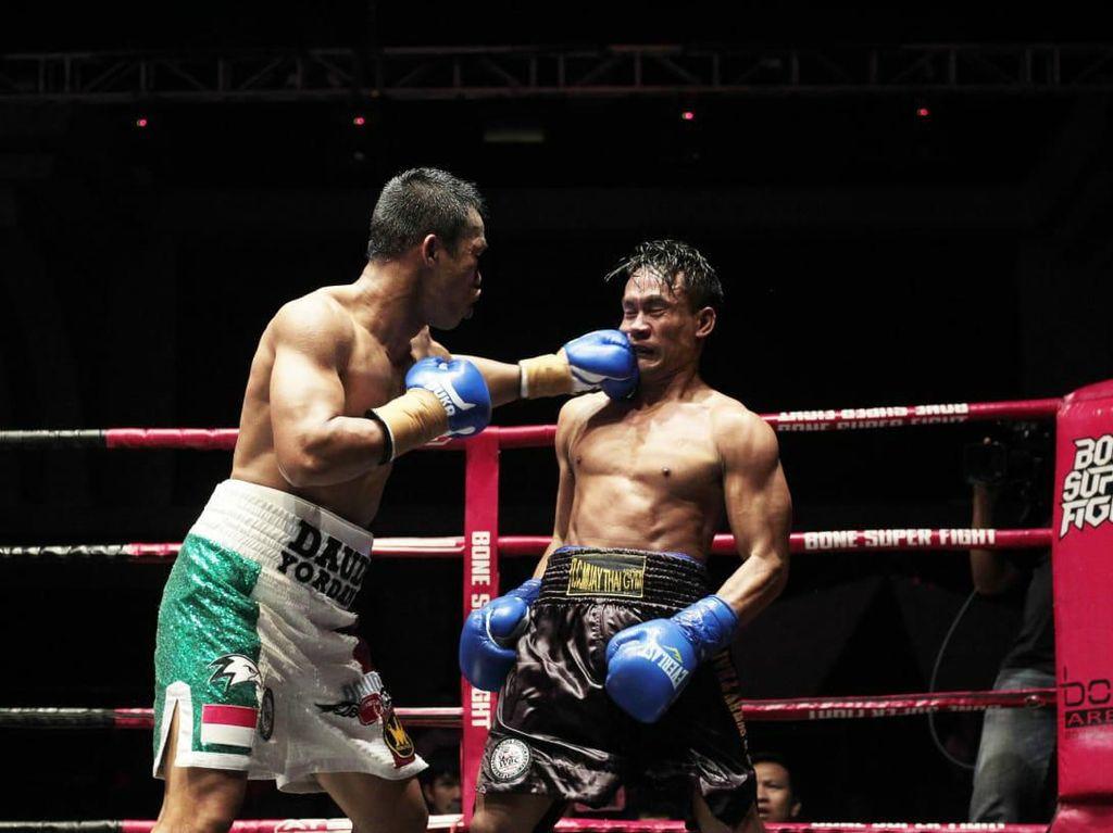 Tumbangkan Petinju Thailand, Daud Yordan Raih Gelar WBC International Challenge
