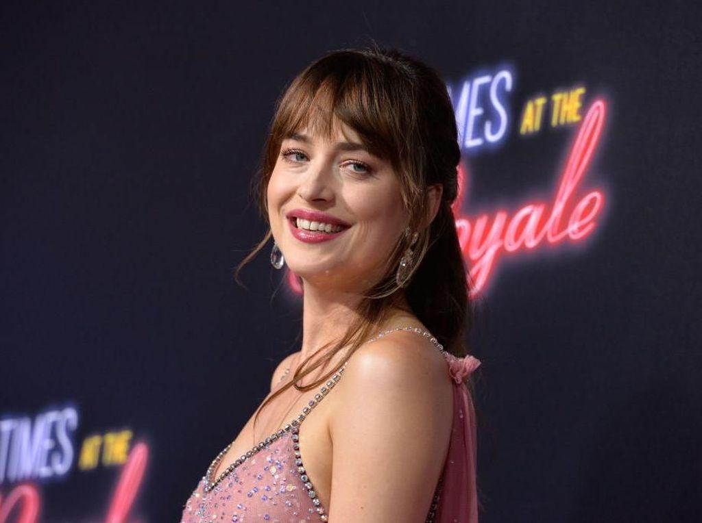 Puja-puji Dakota Johnson ke Shia LaBeouf: Dia Aktor Terbaik di Generasiku