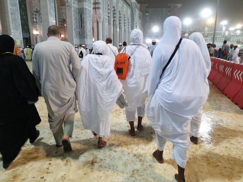 Tips Mengakali Pipis Saat Puncak Haji