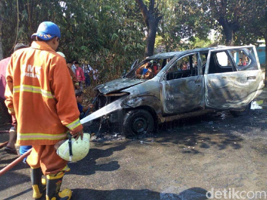 Liburan Nyaman, Jangan Sampai Mobil Mogok Apalagi Terbakar!