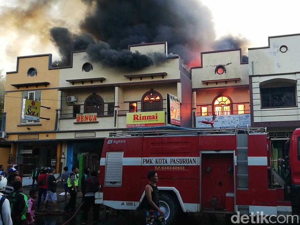Air Macet Saat Api Lalap Ruko di Pasuruan, Warga: PMK Tak Profesional