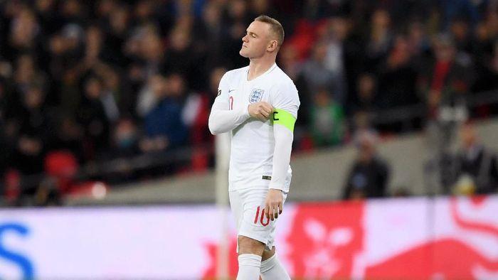 Wayne Rooney dikritik atas penggunaan nomor punggung 32. (Foto: Shaun Botterill/Getty Images)