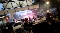 Polisi Evakuasi Suporter PSM dari Kafe yang Diserang di Tebet