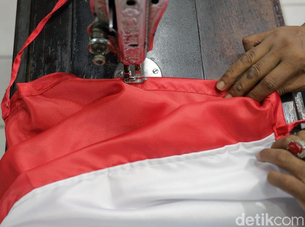 Wanita Pembakar Bendera Merah Putih di Lampung Resmi Jadi Tersangka