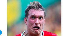 Meme Kocak Kesedihan Phil Jones Disingkirkan Harry Maguire