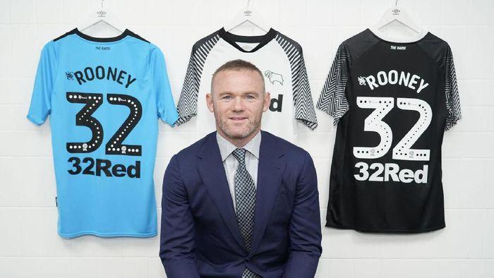 Wayne Rooney resmi bergabung dengan Derby County (Foto: Twitte.com/dcfofficial)