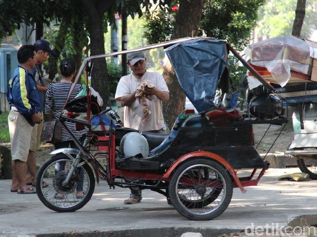 Honda Win Jadi Andalan Sopir Bentor Medan