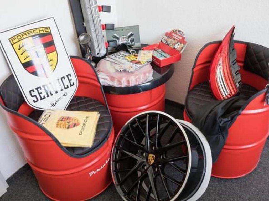 Porsche Sita Ratusan Ribu Suku Cadang Palsu
