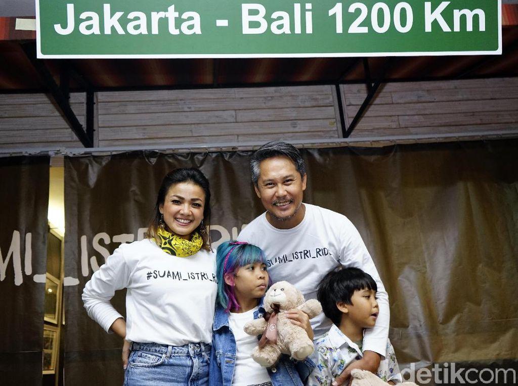 Usai Gowes Jakarta-Bali, Nirina Zubir Curhat Lewat Pameran