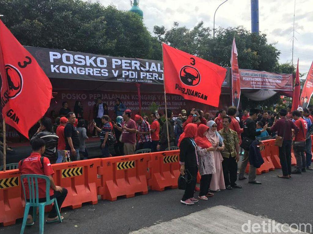 Peserta Kongres V PDIP Bali Manfaatkan Posko di Pelabuhan Ketapang