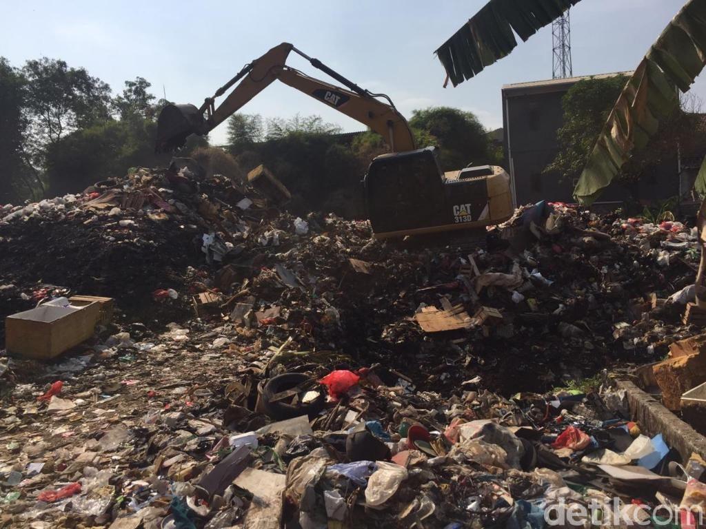 Tempat Pembuangan Sampah Liar di Bekasi Barat Ditutup