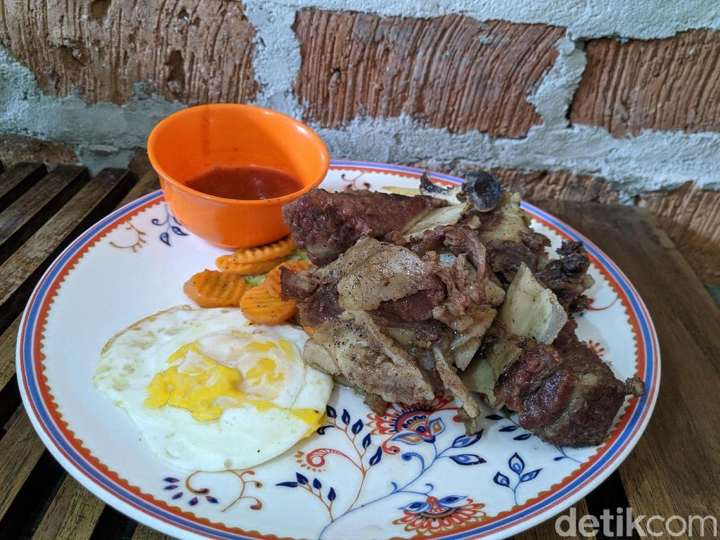 Prabu Steak : Puas Makan Double Ribs Super Jumbo Saus BBQ