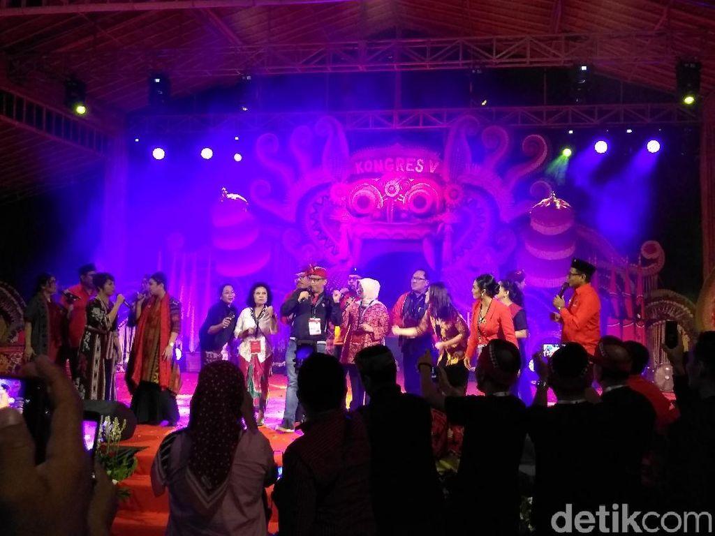 Krisdayanti Meriahkan Malam Budaya Kongres PDIP