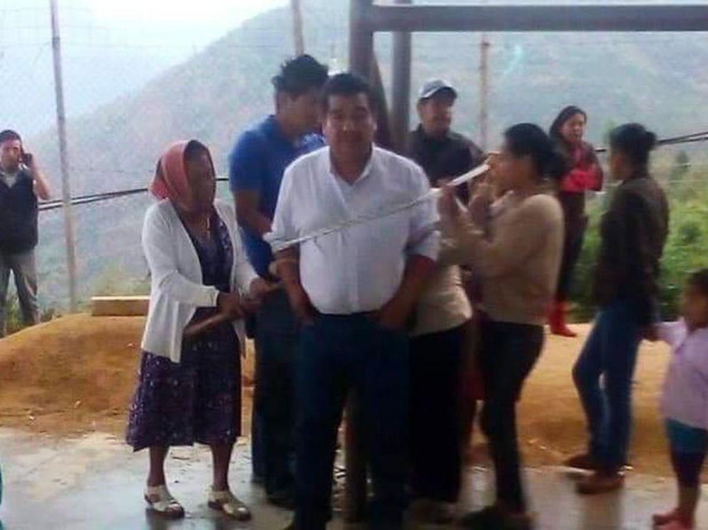 Di Meksiko, Wali Kota Diikat ke Tiang karena Tak Tepati Janji Kampanye