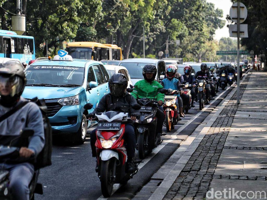 Sepeda Motor Jadi Kambing Hitam Polusi dan Macet di Jakarta