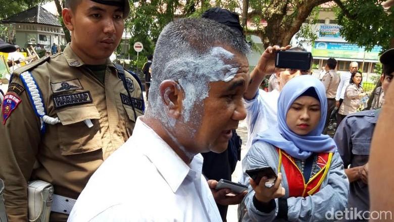 Penertiban Warkop Depan RS Elisabeth Medan, Kasatpol PP Disiram Air Panas
