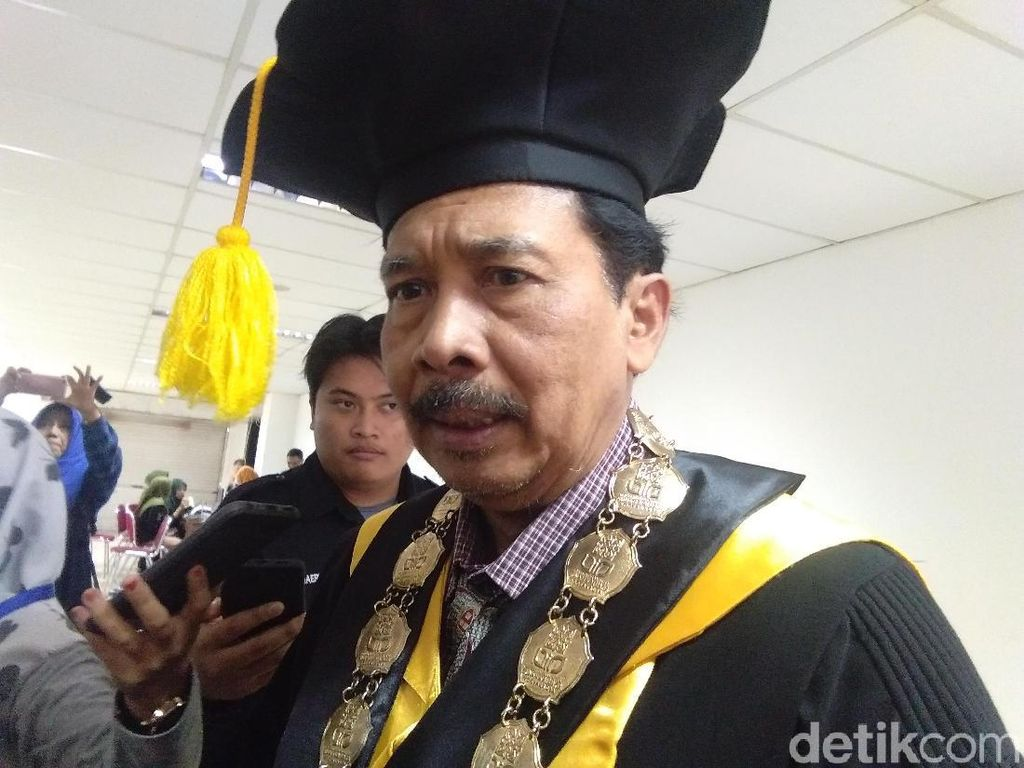 Soal Impor Rektor, Menristekdikti Dituding Tak Paham Persoalan