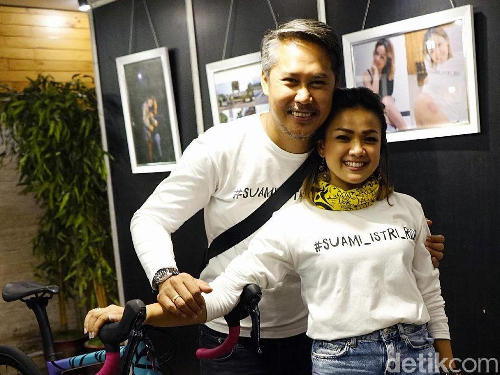 Positif Corona, Nirina Zubir dan Suami Saling Menguatkan