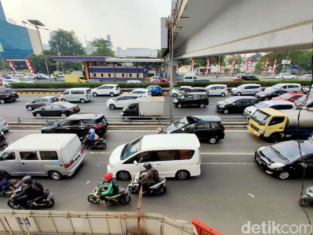 Pakar FKM UI: Berada di Mobil Ber-AC Belum Tentu Aman dari Polusi Udara