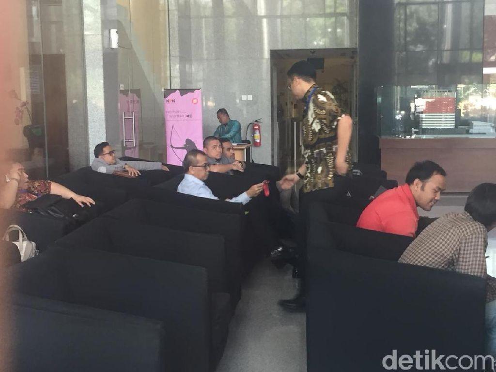 KPK Kembali Panggil Emirsyah Satar-Soetikno Soedarjo Tersangka Suap