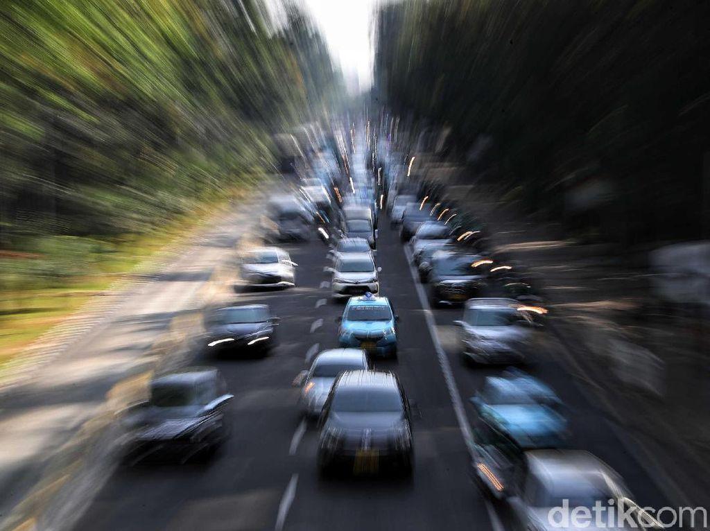 Ganjil-genap Jakarta Bikin Taksi Online Sepi Orderan?