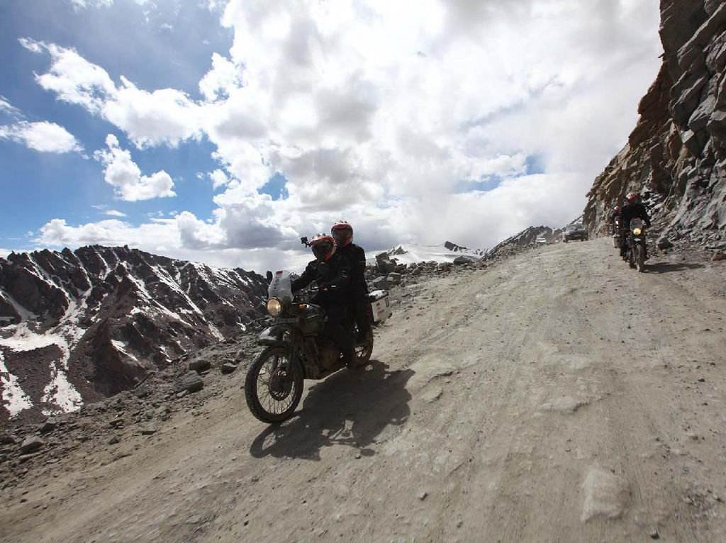 Usung Gaya Klasik, Jadi Senjata Royal Enfield Himalayan Pikat Konsumen