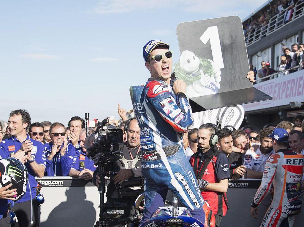 Kesulitan Yamaha Bukan Karena Ditinggal Lorenzo