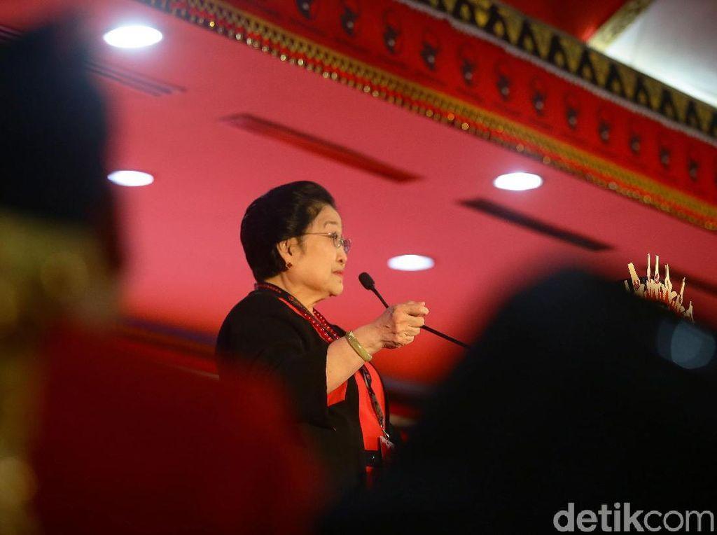Megawati Sampaikan Dukacita atas Meninggalnya Ibunda Jokowi