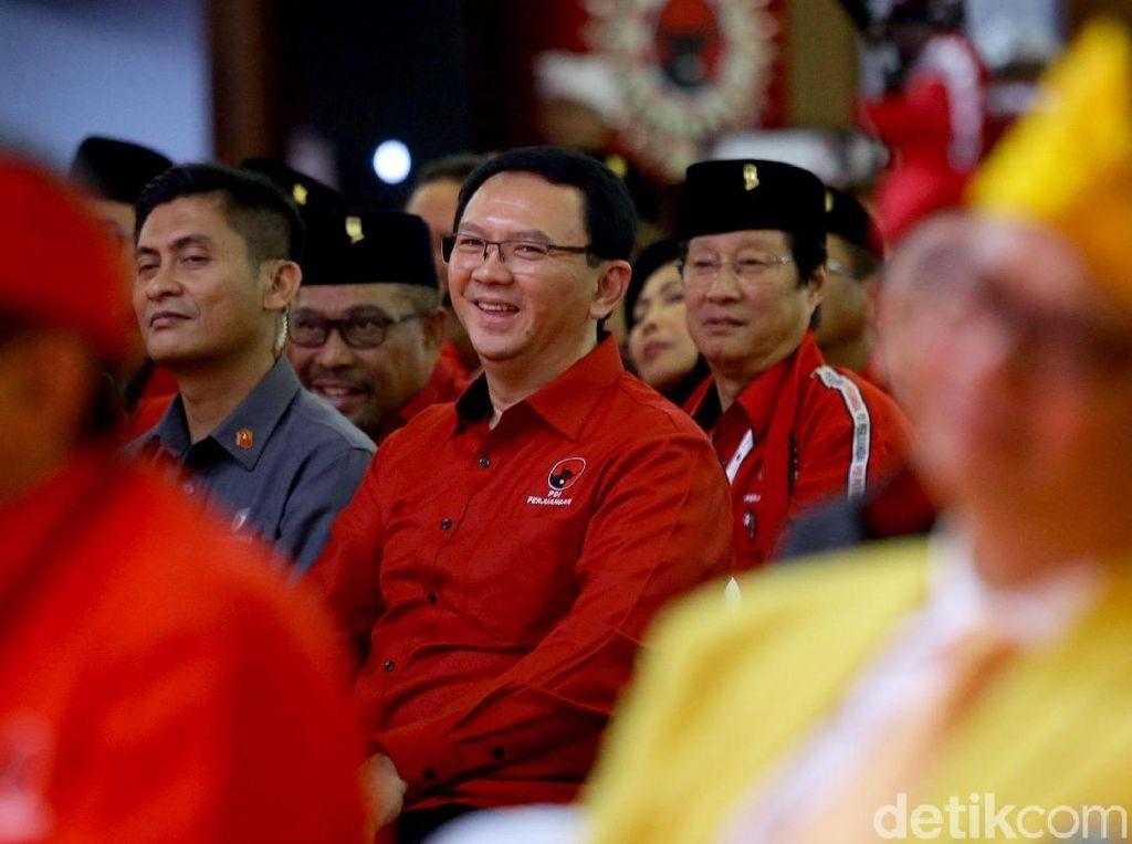 Senyum Ahok Saat Hadir di Kongres V PDIP