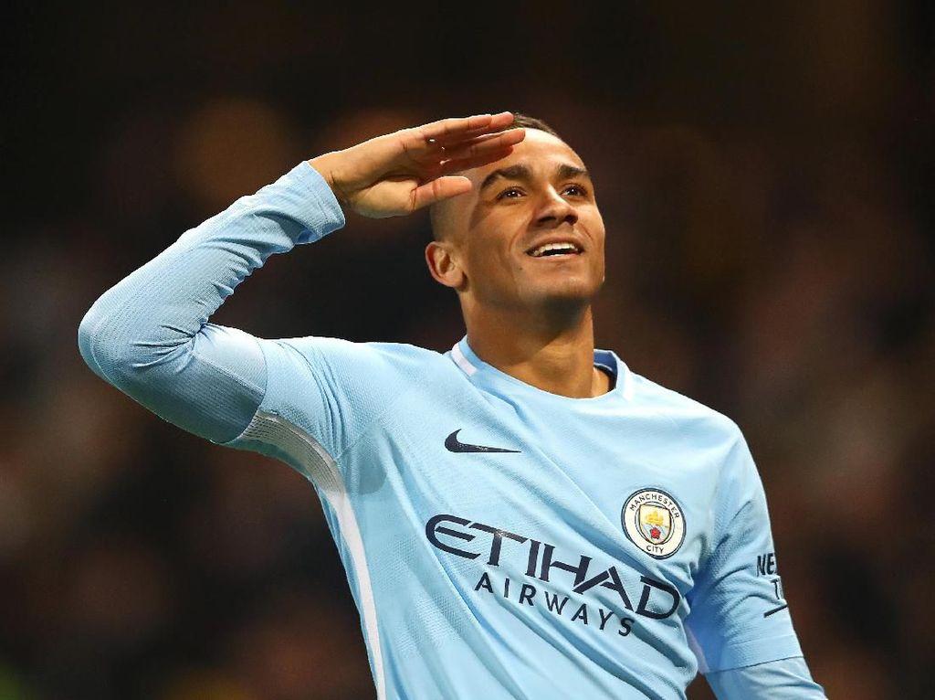 Danilo ke Ronaldo: Boleh Saya Pakai Nomor 7?