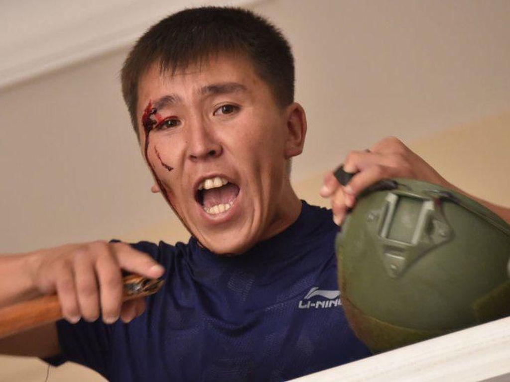 Pasukan Keamanan Kirgistan Serbu Rumah Mantan Presiden Atambayev