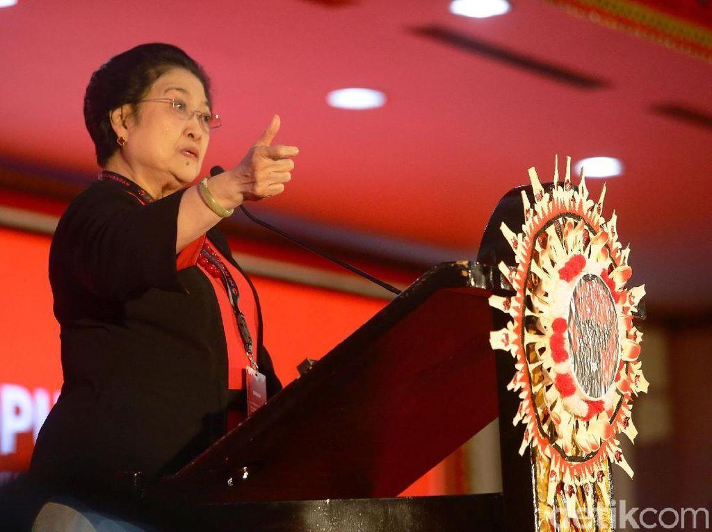 Megawati Sampaikan Pidato Politik di Kongres PDIP