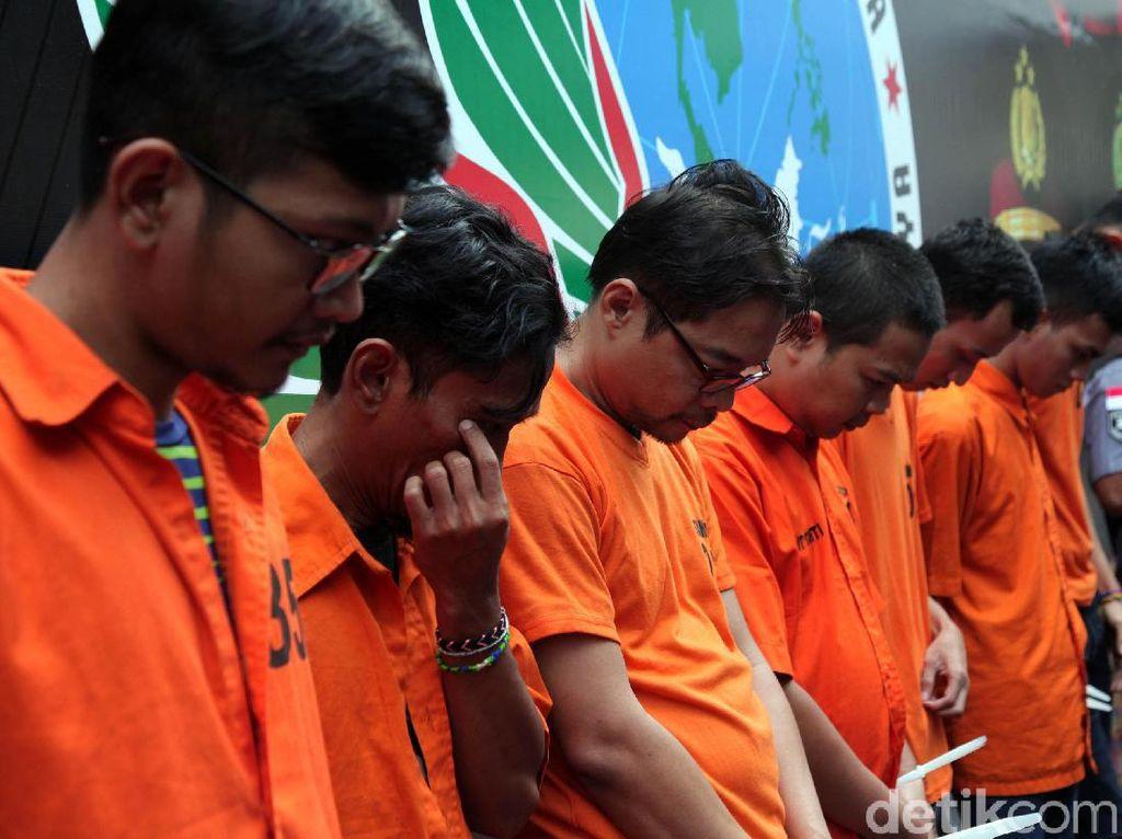 Dibekuk Polisi, Ini Tampang Penyelundup Sabu 10 Kg dari Malaysia