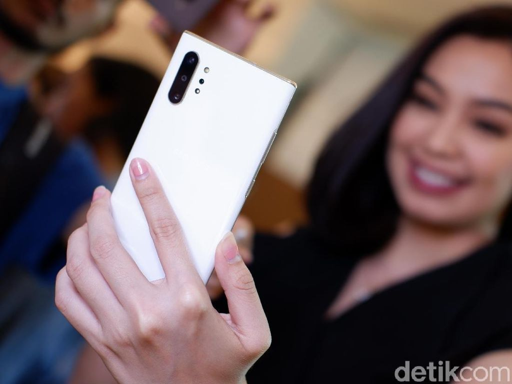 Menggenggam Galaxy Note 10 di Indonesia