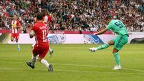 Sepakan Khas Hazard di Gol Perdananya Buat Madrid