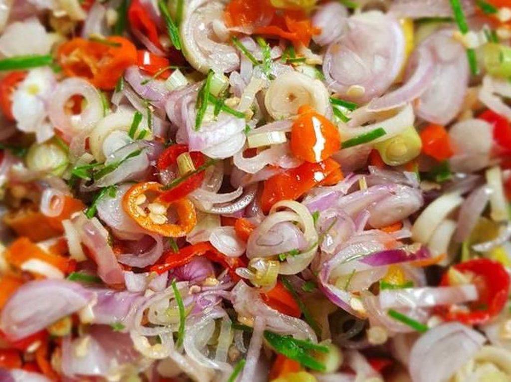 5 Sambal Enak Ini Bikin Sate Daging Kurban Makin Sedap