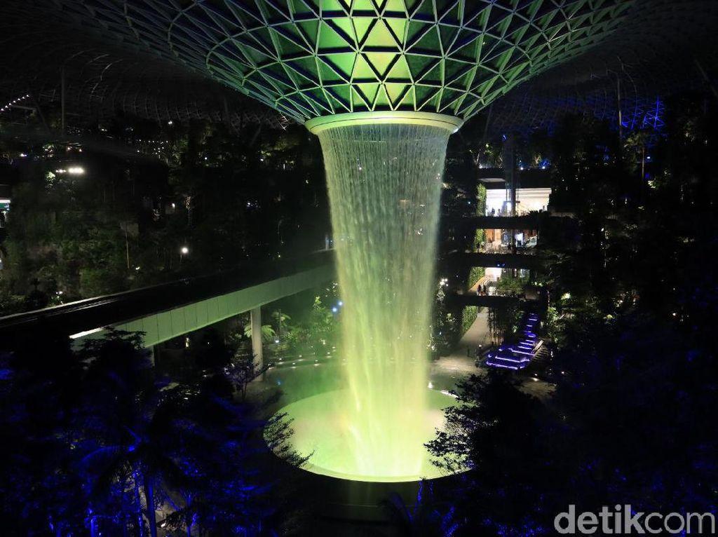 Welcome on Board! Jewel Changi Airport Kembali Dibuka