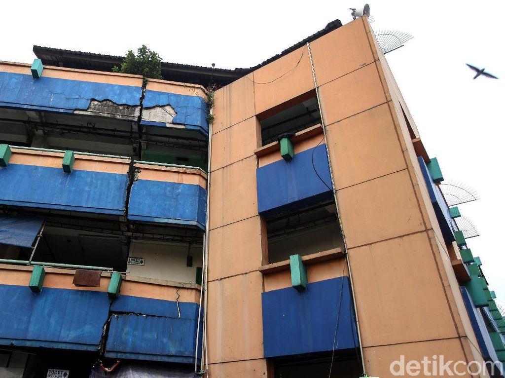 Bangunan Blok G Pasar Tanah Abang Retak, PD Pasar Jaya Angkat Bicara