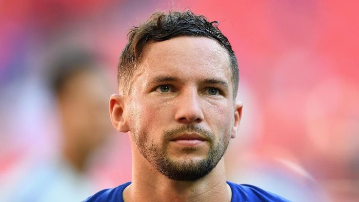 LONDON, ENGLAND - AUGUST 05:  Danny Drinkwater of Chelsea looks dejected following his sides defeat during the FA Community Shield between Manchester City and Chelsea at Wembley Stadium on August 5, 2018 in London, England.  (Photo by Michael Regan/Getty Images)