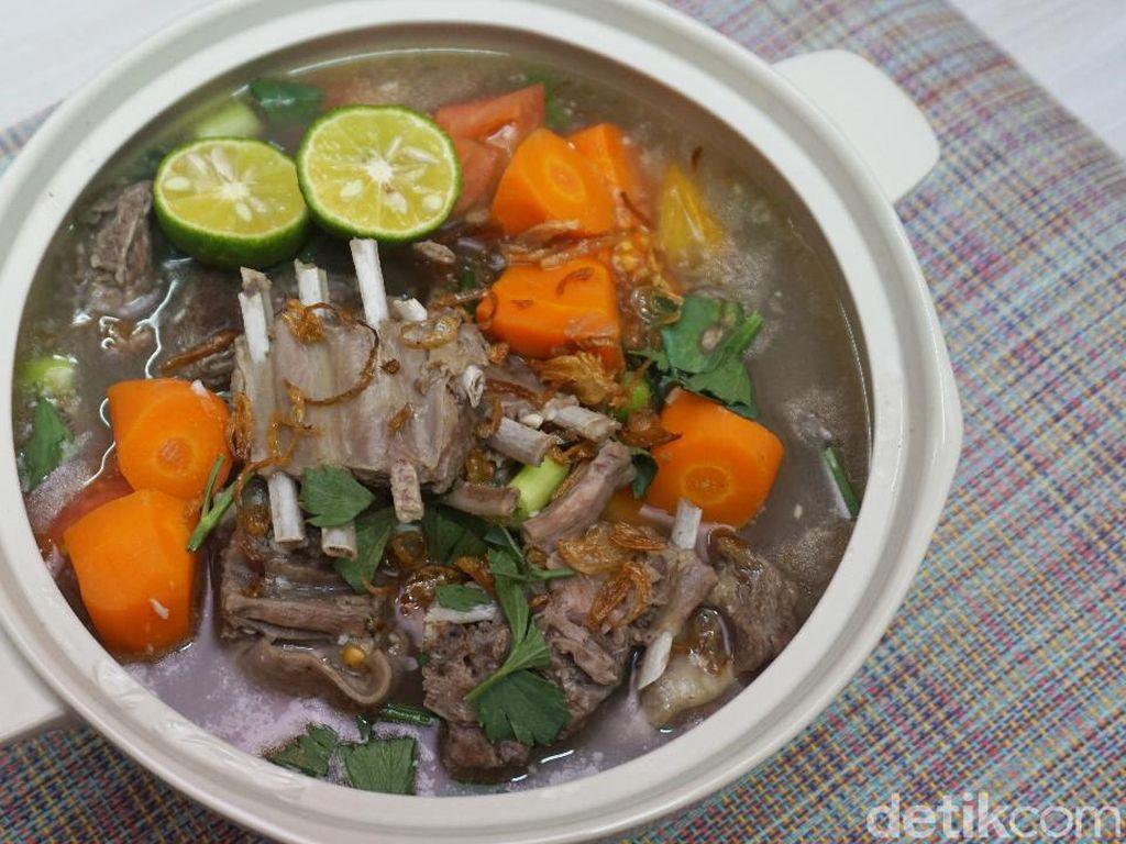 Sup Kambing Bening, Hidangan Berkuah Pas Hangatkan Kebersamaan