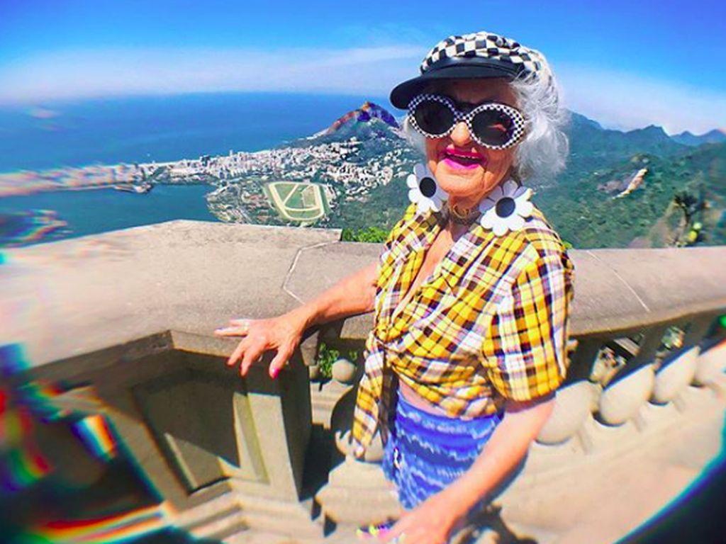 Foto: Liburannya Nenek Paling Gaul Sedunia