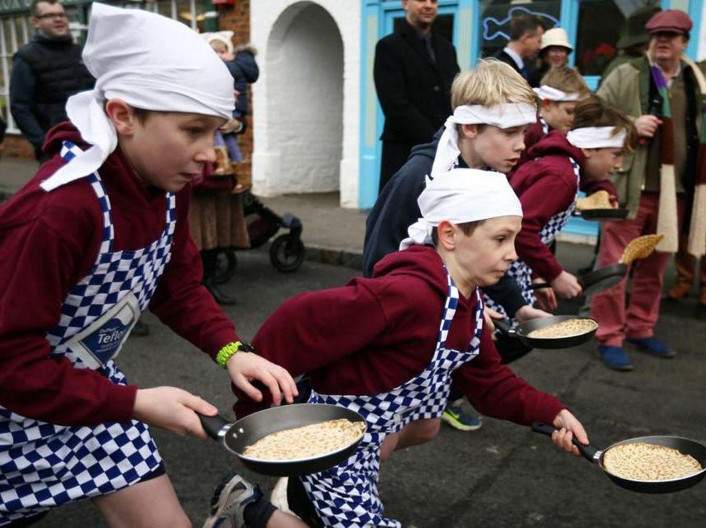 Perang Jeruk hingga Lari Bawa Pancake, Ini 10 Festival Makanan Seru