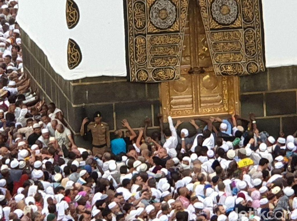 Arab Saudi Seleksi Permintaan Haji Ekspatriat dari 160 Negara