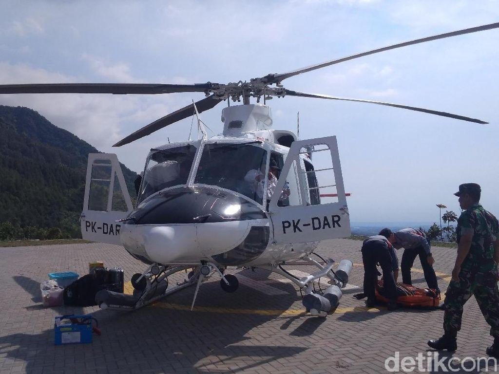Heli Water Bombing Dikerahkan Padamkan Kebakaran Puncak Gunung Ciremai