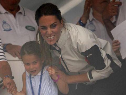 Charlotte dan Kate Middleton