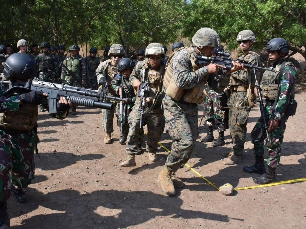Marinir Indonesia dan Amerika Berbagi Ilmu Pertempuran Jarak Dekat